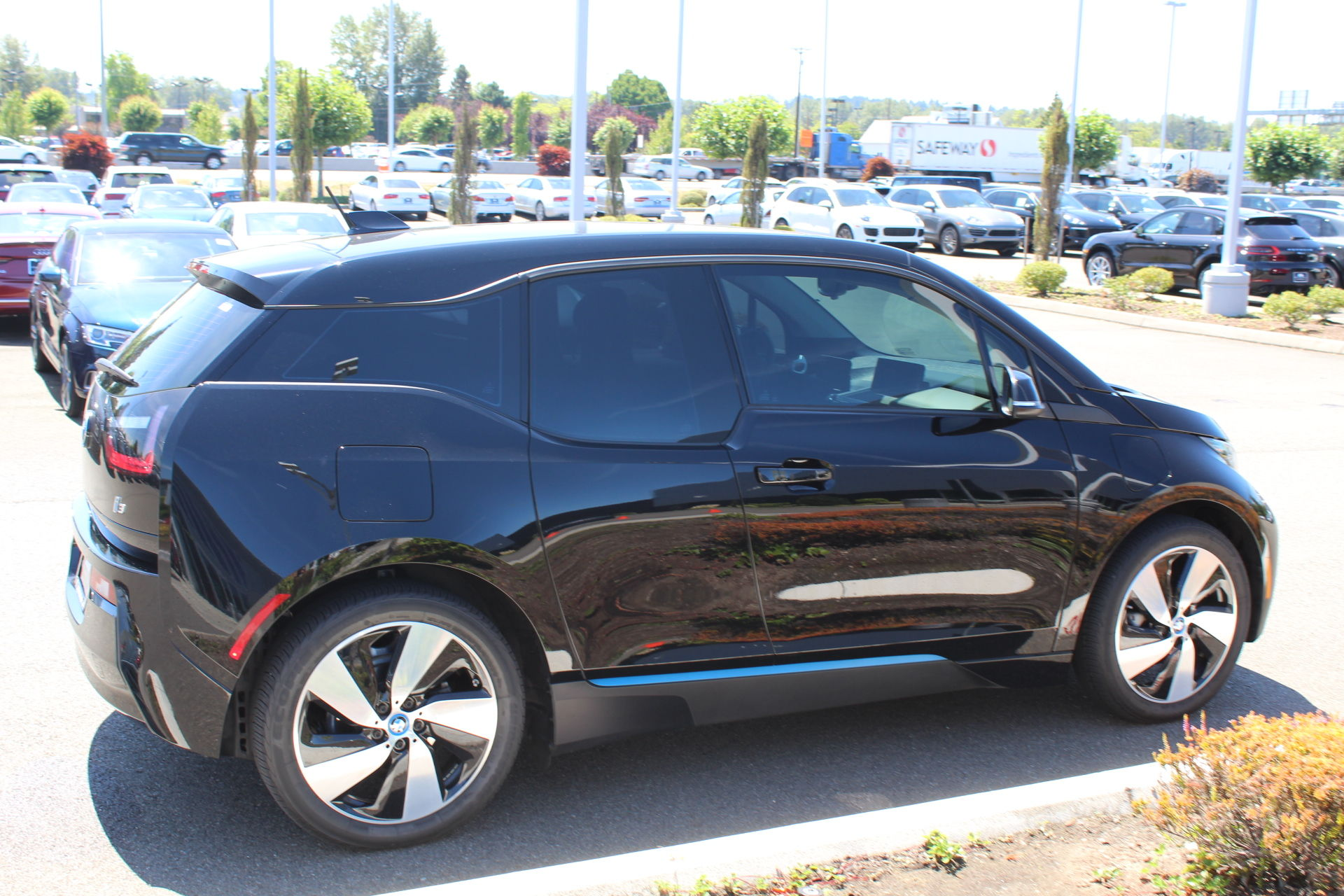 Pre-Owned 2016 BMW i3