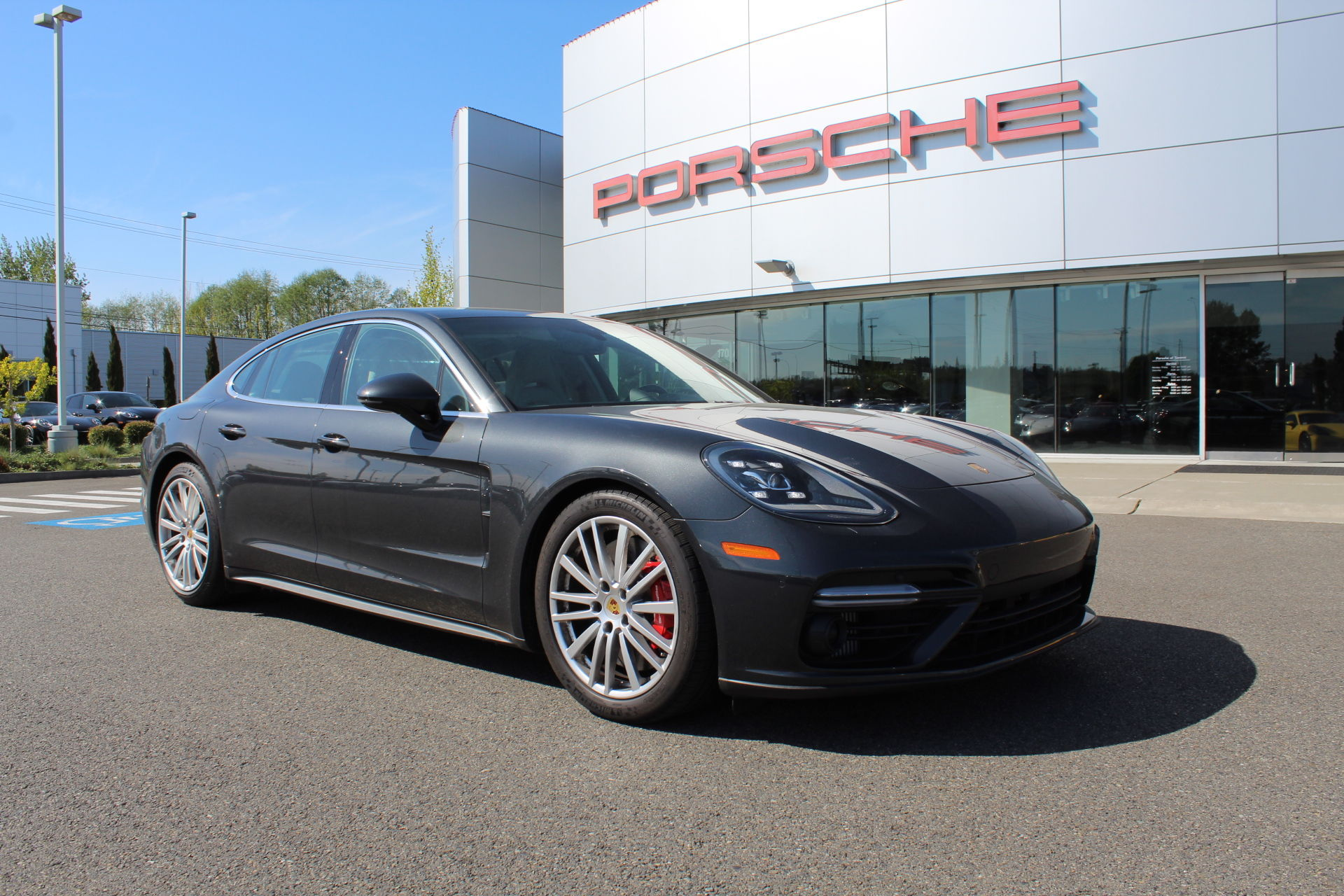 Pre Owned 2017 Porsche Panamera Turbo